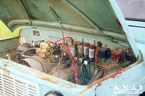 Двигатель МеМЗ-969А мощностью 40 л.с., воздушного охлаждения.  Два контура тормозной системы полностью независимы...